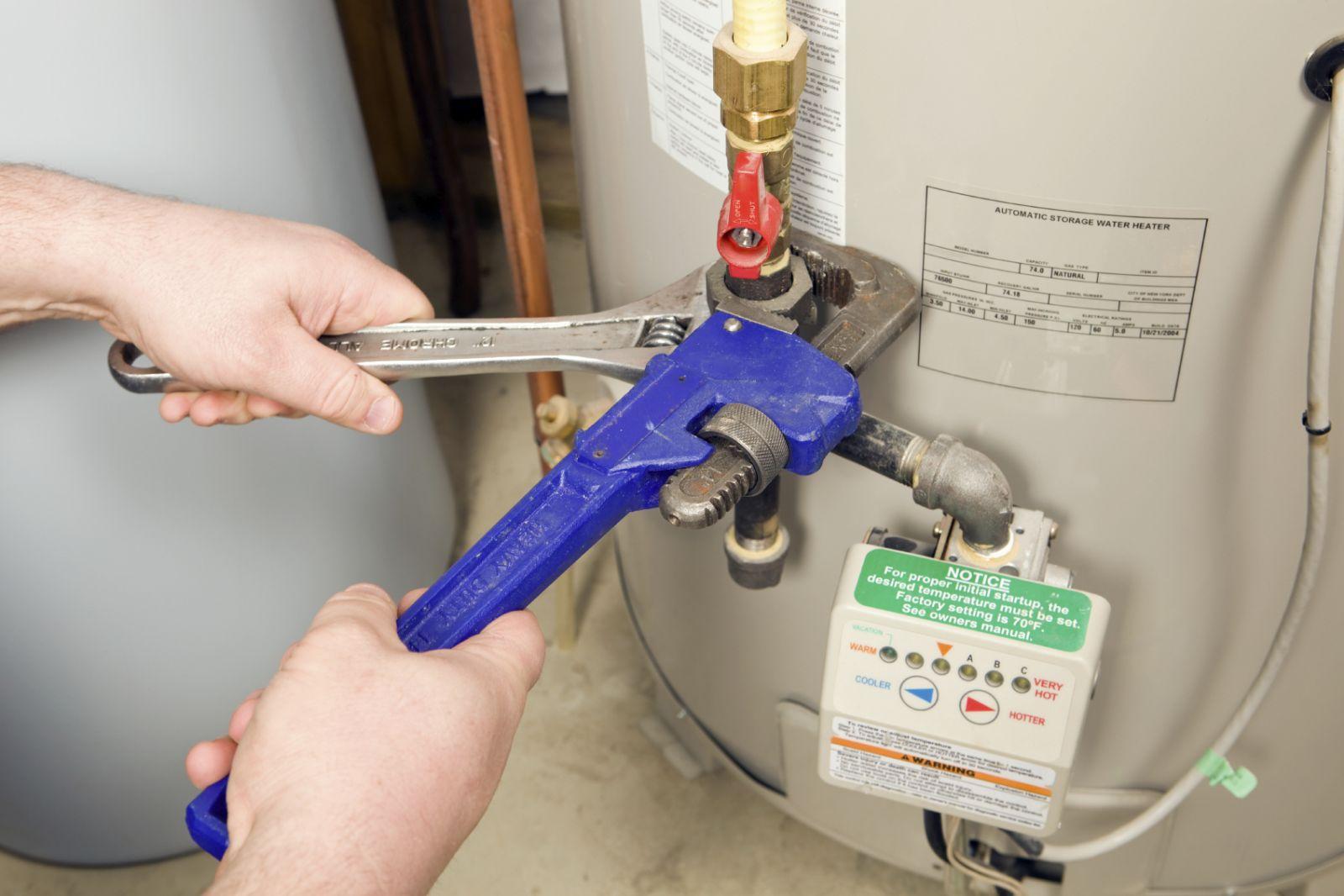 Как установить водонагреватель под мойку своими руками