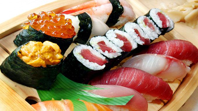 Несмотря на всю популярность суши и роллов , до сих пор существует немало мифов, в которых немалую долю занимает вымысел.